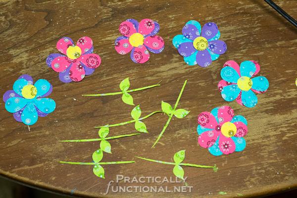 DIY No Sew Summer Flower Bunting - Cut flower pieces