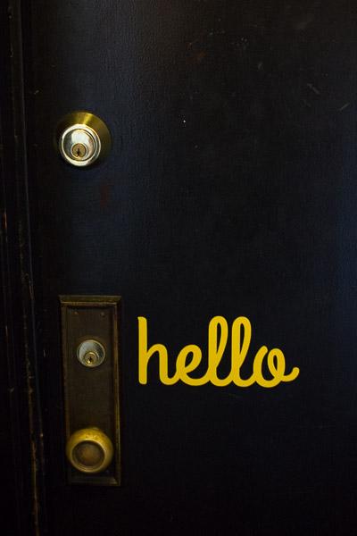7 Ways To Decorate With Vinyl - Decorate your front door!