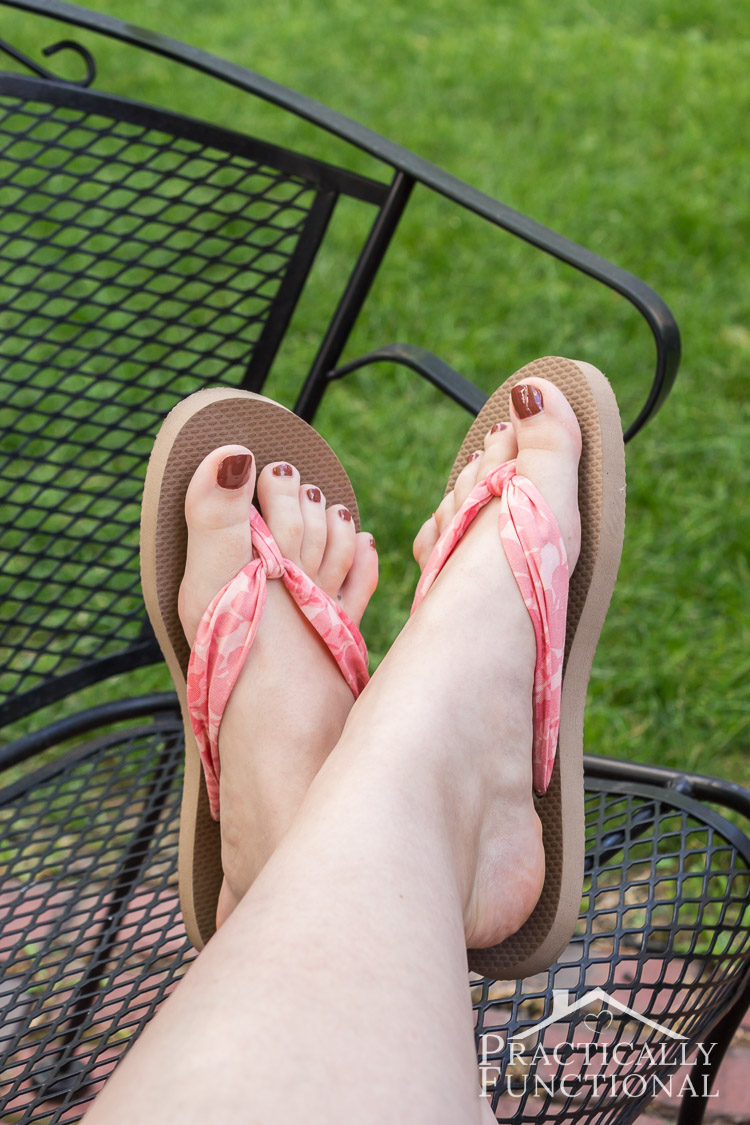 2afd29c1c8309c Check out this tutorial on how to make fabric flip flops for under  5! They