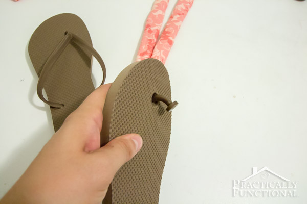 How to make fabric flip flops for under $5!-2
