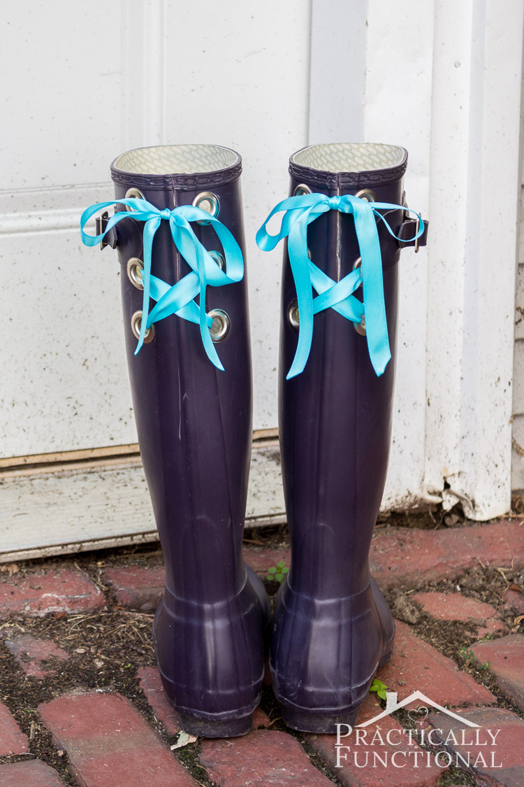 DIY lace up rain boots! So your wellies fit over your calves no matter what pants you wear!