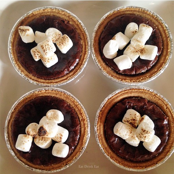 Super yummy recipe for smores brownies from EatDrinkEat.com