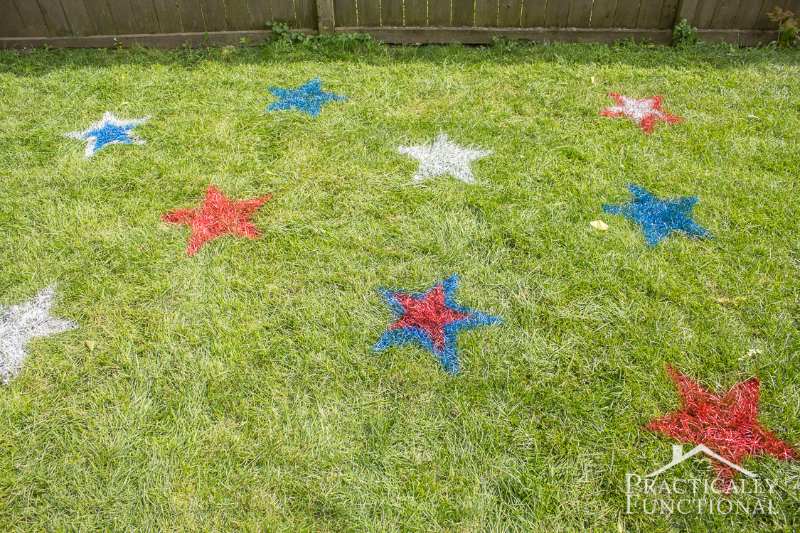 These spray painted lawn stars are the perfect outdoor 4th of July decorations! They're so quick and easy to do!