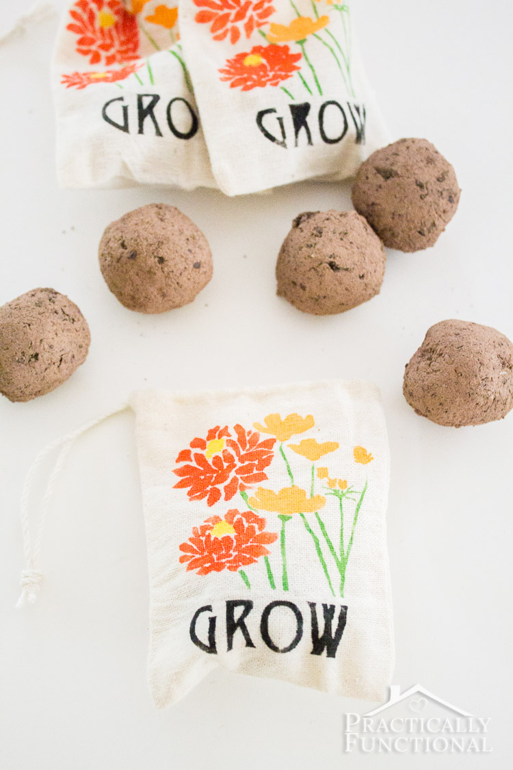 DIY Stenciled Garden Party Favor Bags