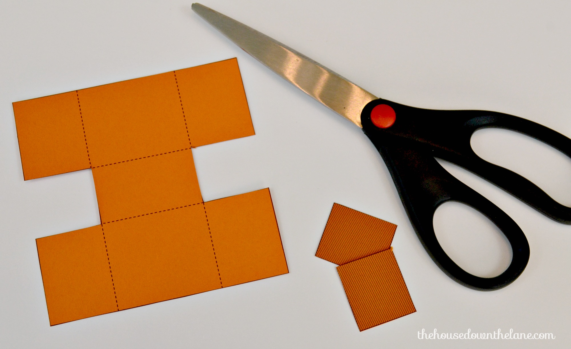 Photo #5 DIY Mini Pumpkin Favor Boxes