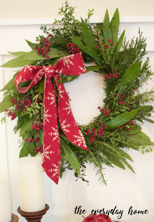 DIY Natural Evergreen Wreath - and 10 other gorgeous DIY holiday wreaths!
