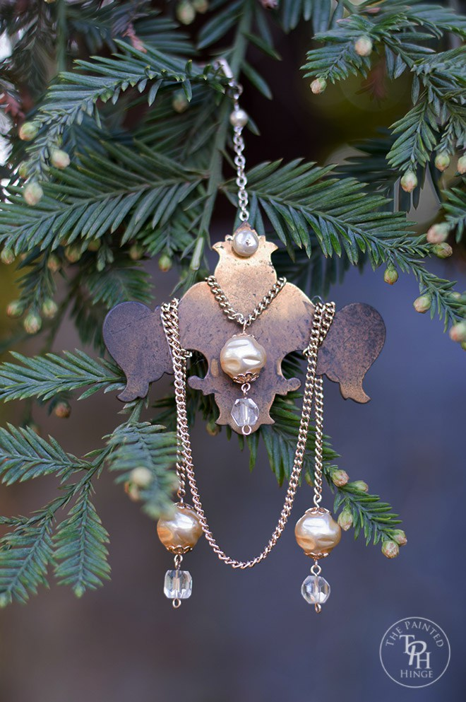 Vintage Hinge & Jewelry Christmas Ornaments - and 13 other great Christmas projects!