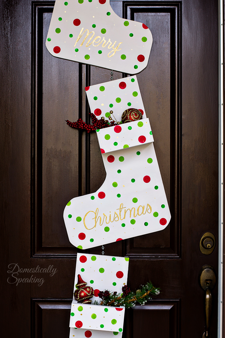 Whimsical Wooden Christmas Stocking Planter - and 13 other great Christmas projects!