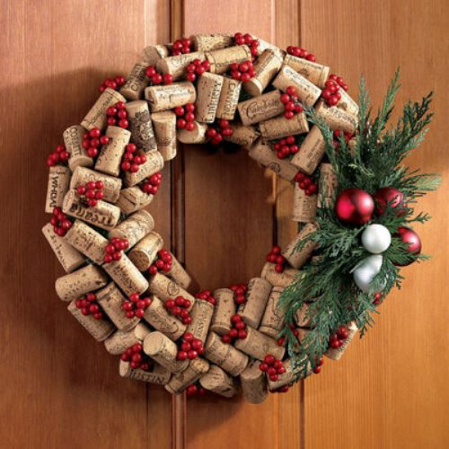 DIY Cork Wreath - and 10 other gorgeous DIY holiday wreaths!