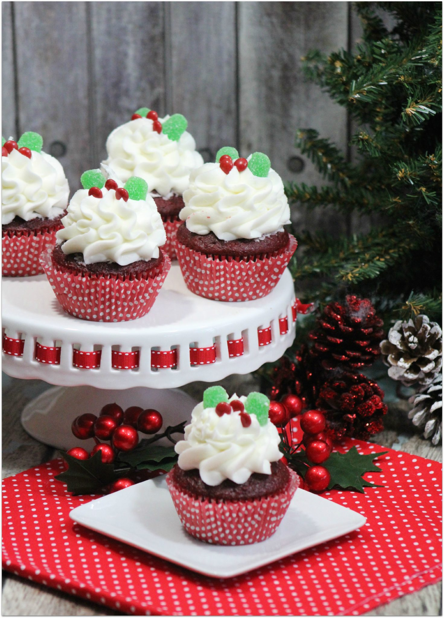 Red Velvet Cupcakes With Peppermint Frosting - and 8 other delicious holiday recipes!