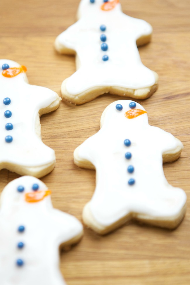 Gingerbread Snowmen Sugar Cookies - and 8 other delicious holiday recipes!