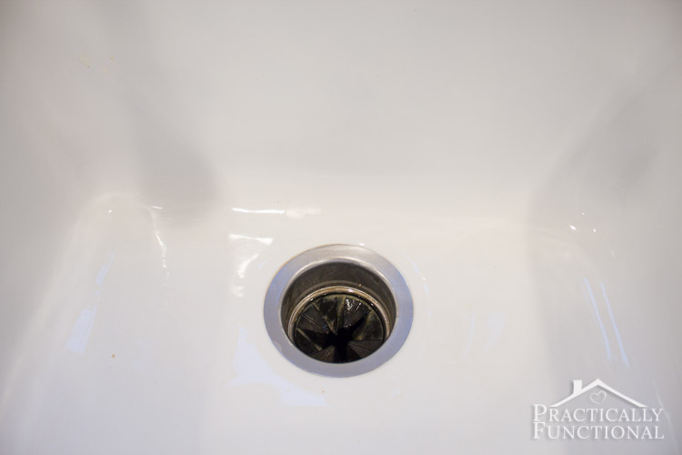 Delicieux How To Clean A Porcelain Sink   Get Rid Of Stains Scratches And Scuff Marks  In