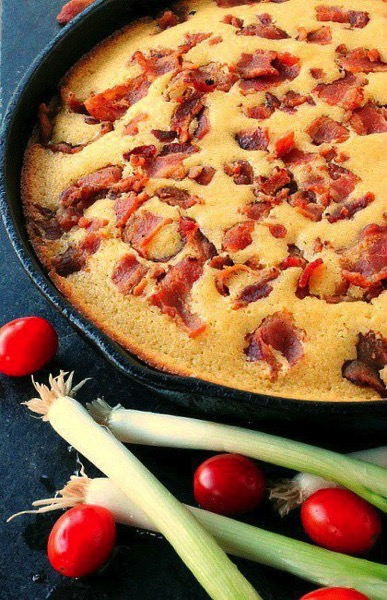 Buttermilk Bacon Cornbread - and 26 other delicious comfort food recipes!
