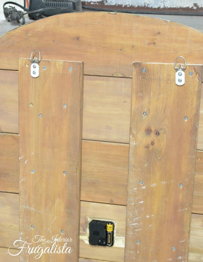 Pallet Wood Clock D-HooksW