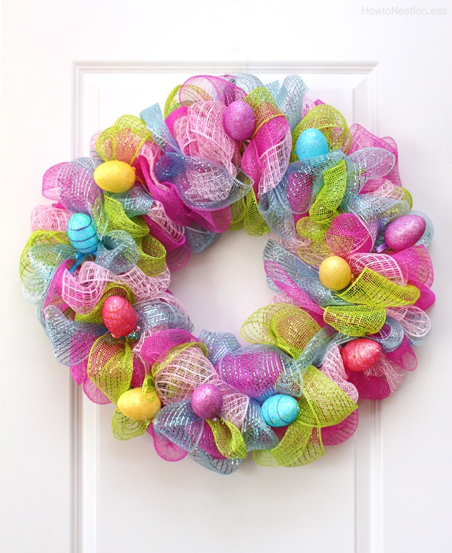 Easter egg mesh wreath - and 14 other awesome Easter crafts!
