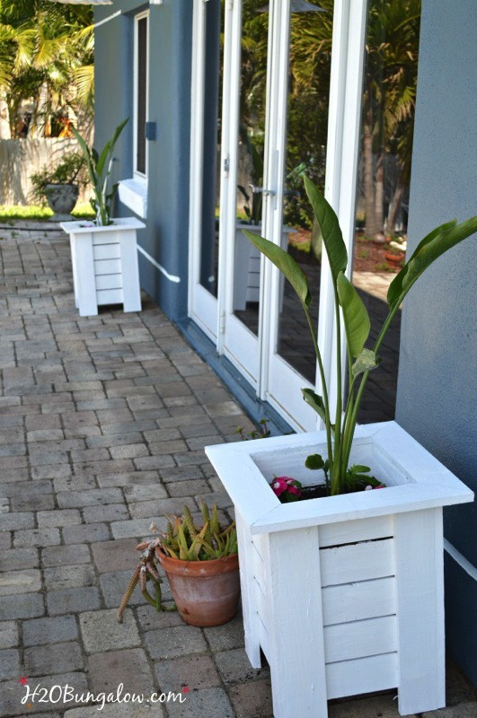 Key west style wood planter boxes - and ten other amazing DIY outdoor projects to try this spring!