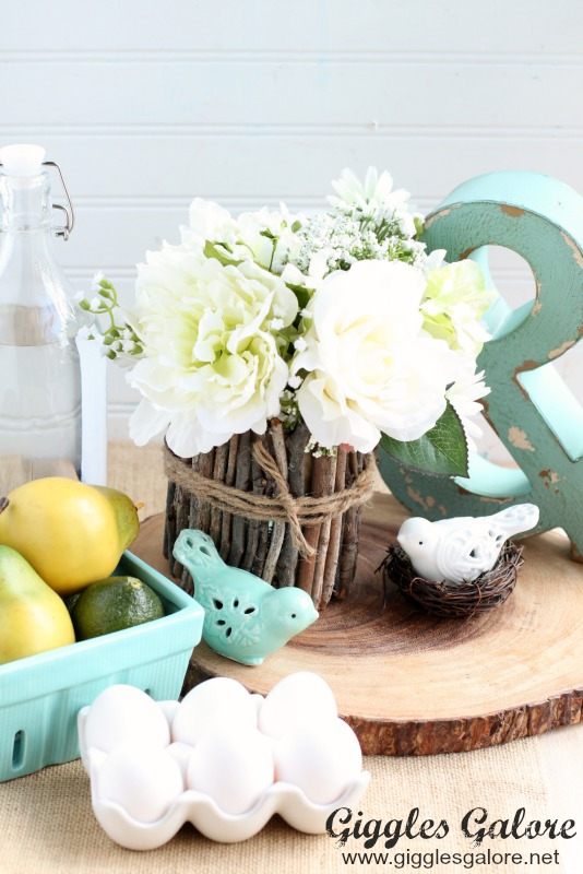 Rustic Easter Centerpiece - and 14 other awesome Easter crafts!