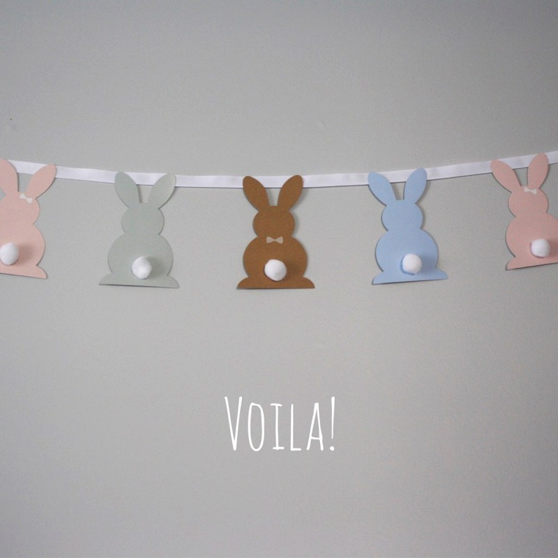 Pottery Barn knock off Easter bunny banner - and 14 other awesome Easter crafts!