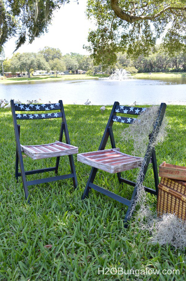 Americana Patriotic Decoupage Folding Chairs - and 13 other simple DIY outdoor weekend projects!