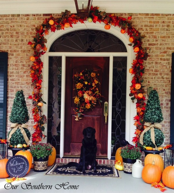 Fall front porch decorations - and 9 other gorgeous fall porch ideas!