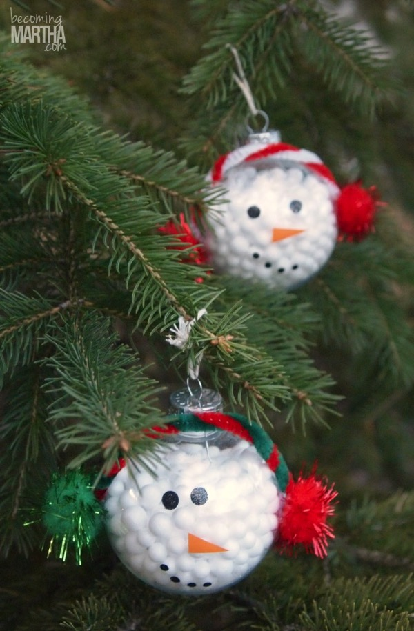 Kids snowman ornament - and 12 other handmade Christmas ornaments using vinyl!