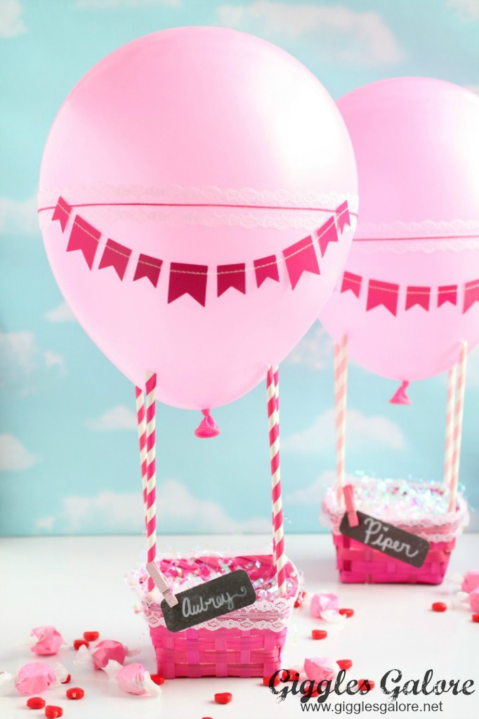 Hot Air Balloon Valentines Day Box - and 19 other fun valentines crafts!