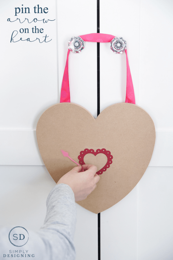Pin The Arrow On The Heart Game - and 19 other fun valentines crafts!