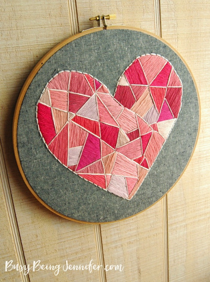 Geo Style Heart Hoop Art - and 19 other fun valentines crafts!