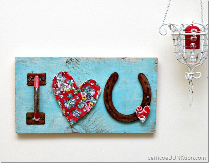 Red Hearts and Good Luck Horseshoe Sign - and 19 other fun valentines crafts!