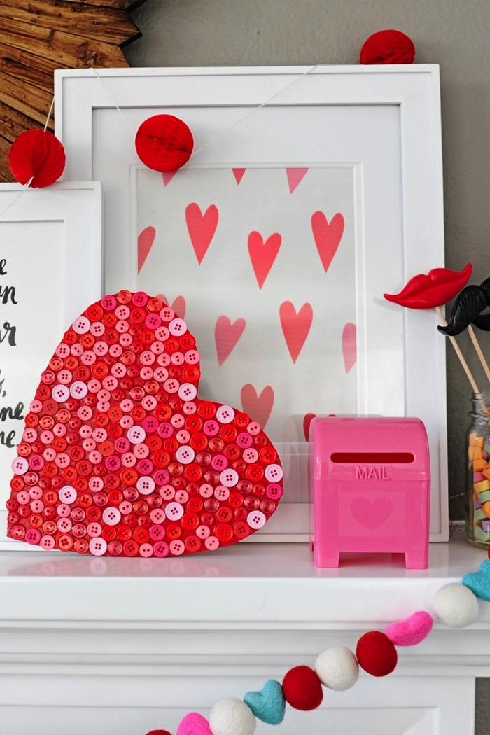 DIY Wood Button Heart Decoration - and 19 other fun valentines crafts!