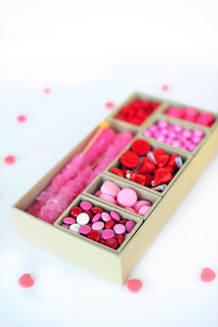 Valentine Candy Gift Box - and 19 other fun valentines crafts!