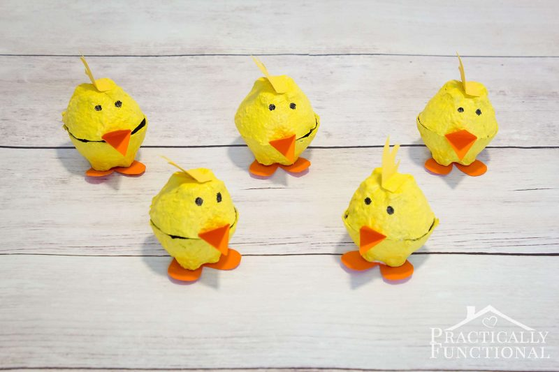 Simple egg carton chicks