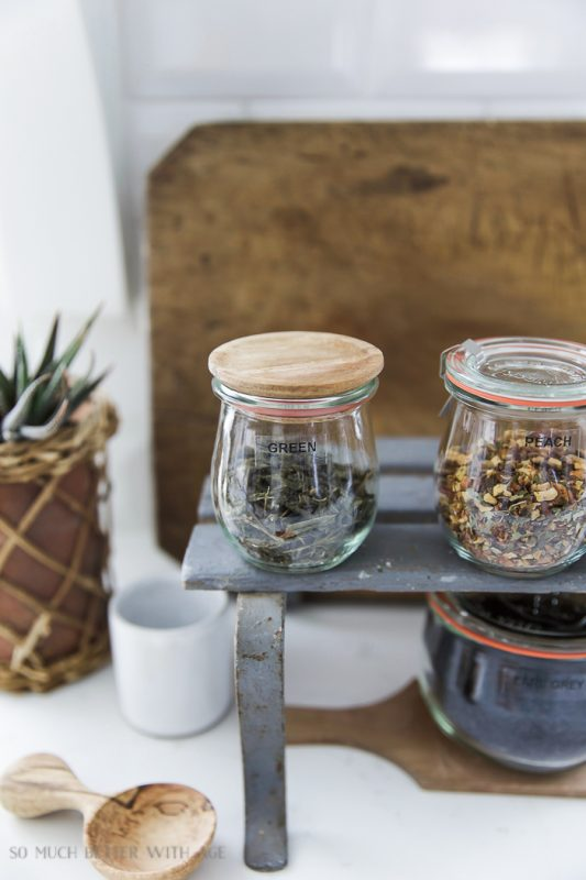 Organizing loose tea in weck canning jars